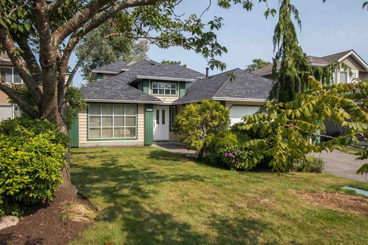 Main Photo: 6223 CRESCENT Place in Delta: Holly House for sale (Ladner)  : MLS®# R2495953