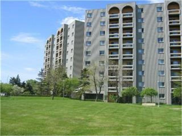Main Photo: 3000 Pembina Highway in WINNIPEG: Fort Garry / Whyte Ridge / St Norbert Condominium for sale (South Winnipeg)  : MLS®# 1208101