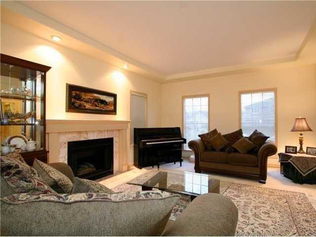 VERY WELL MAINTAINED HOME, WITH NEWER ROOF. MOTIVATED SELLER !