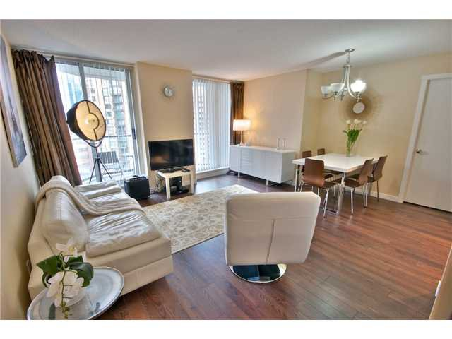"Main Photo: 1403 1212 HOWE Street in Vancouver: Downtown VW Condo for sale in ""1212 Howe"" (Vancouver West)  : MLS®# V1000365"