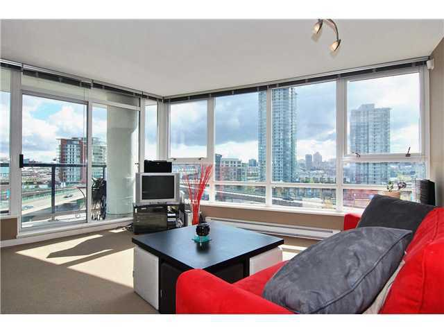 """Main Photo: 802 939 EXPO Boulevard in Vancouver: Yaletown Condo for sale in """"MAX"""" (Vancouver West)  : MLS®# V1024229"""
