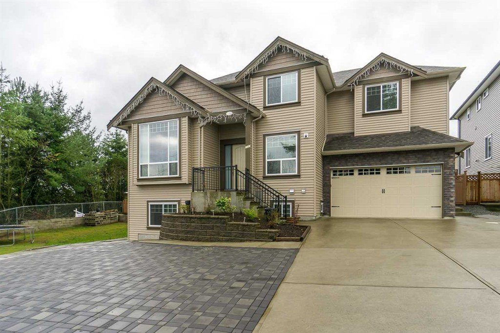 Main Photo: 2 3363 Horn ST in Abbotsford: Central Abbotsford House for sale : MLS®# R2034942