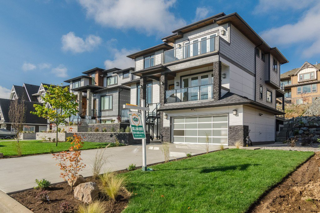 Photo 2: Photos: 2699 Eagle Peak Drive in Abbotsford: Abbotsford East House for rent