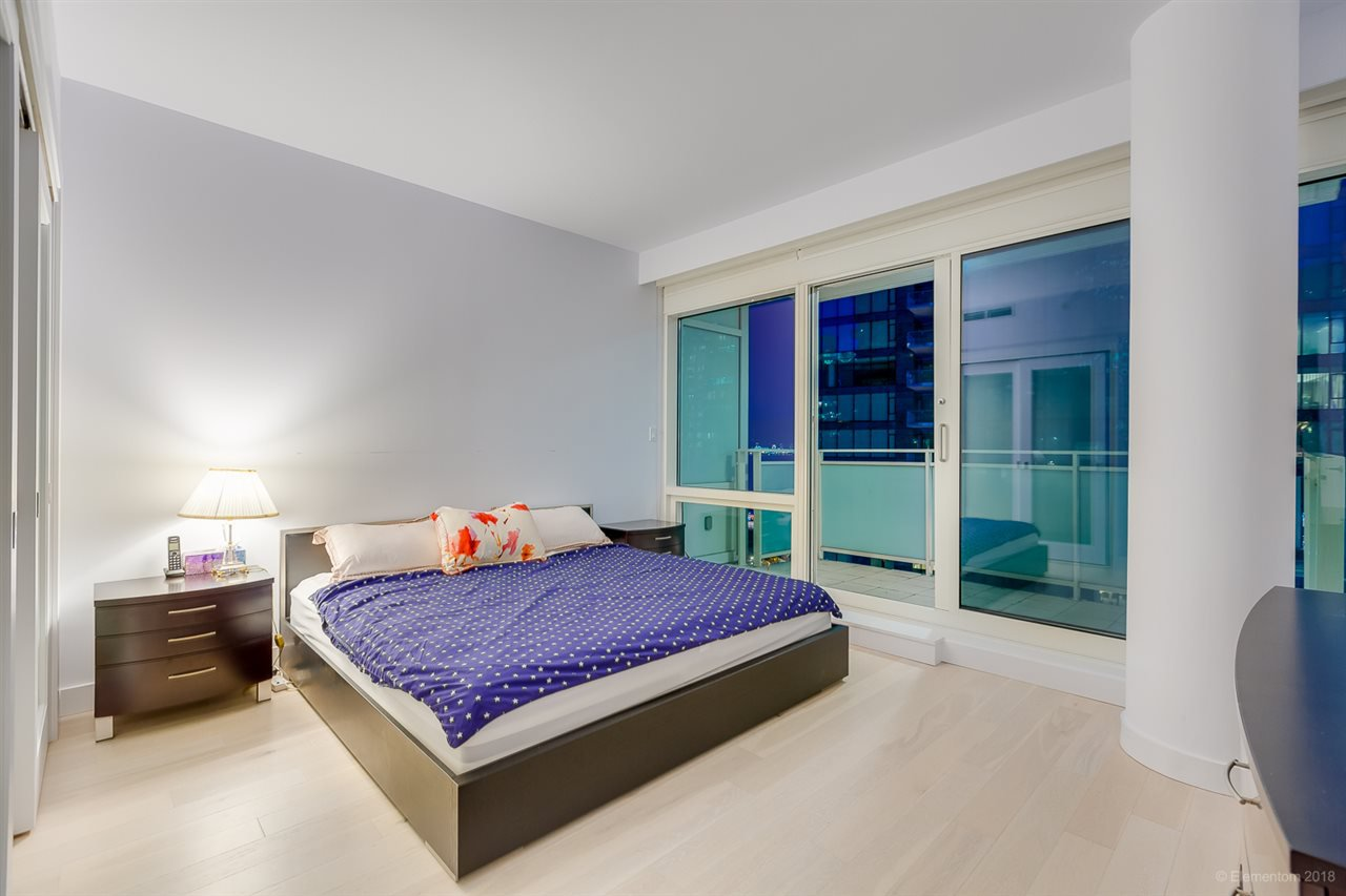 """Photo 14: Photos: 903 1139 W CORDOVA Street in Vancouver: Coal Harbour Condo for sale in """"HARBOUR GREEN TWO"""" (Vancouver West)  : MLS®# R2411117"""