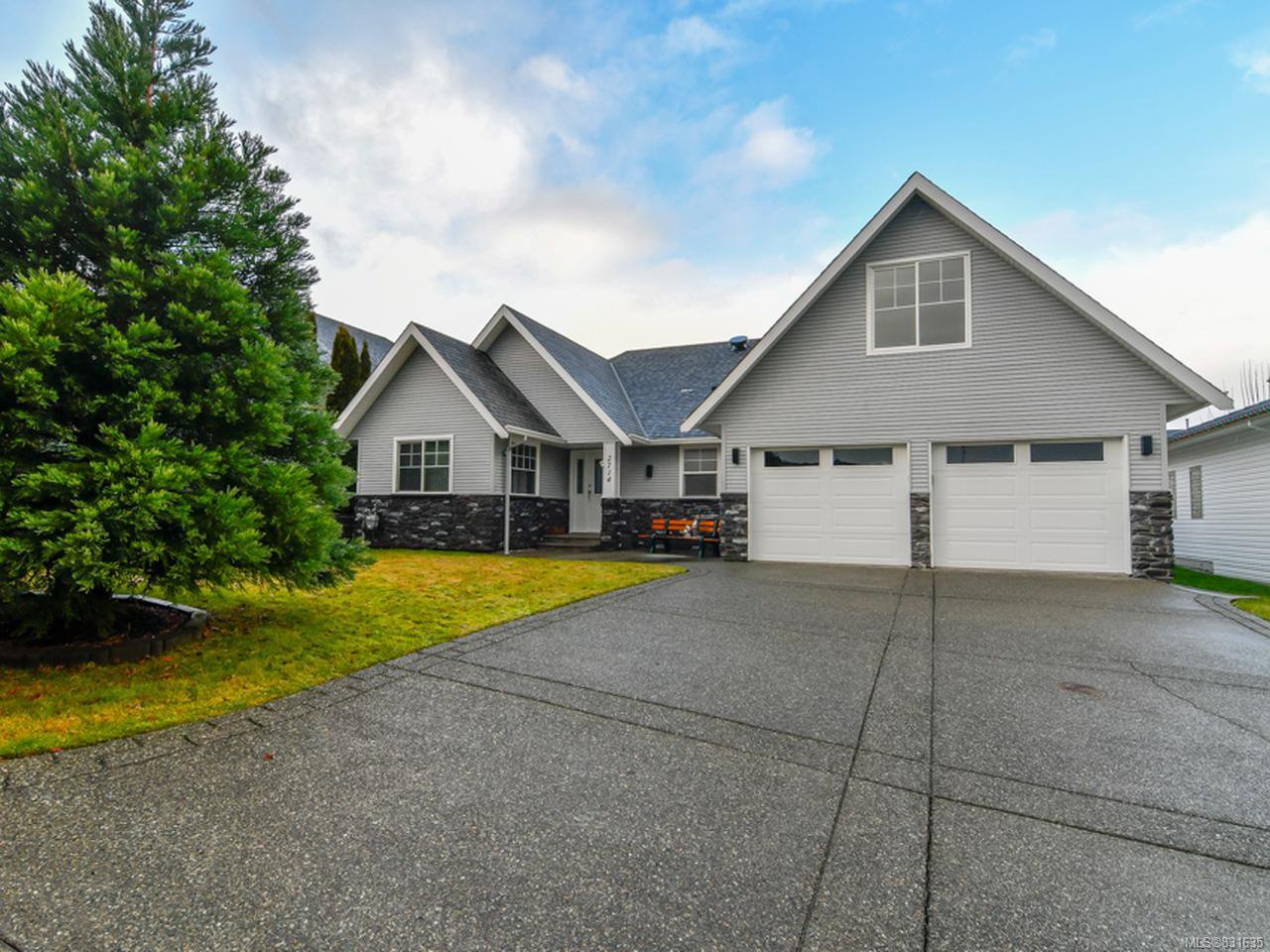 Main Photo: 2714 Eden St in CAMPBELL RIVER: CR Willow Point House for sale (Campbell River)  : MLS®# 831635