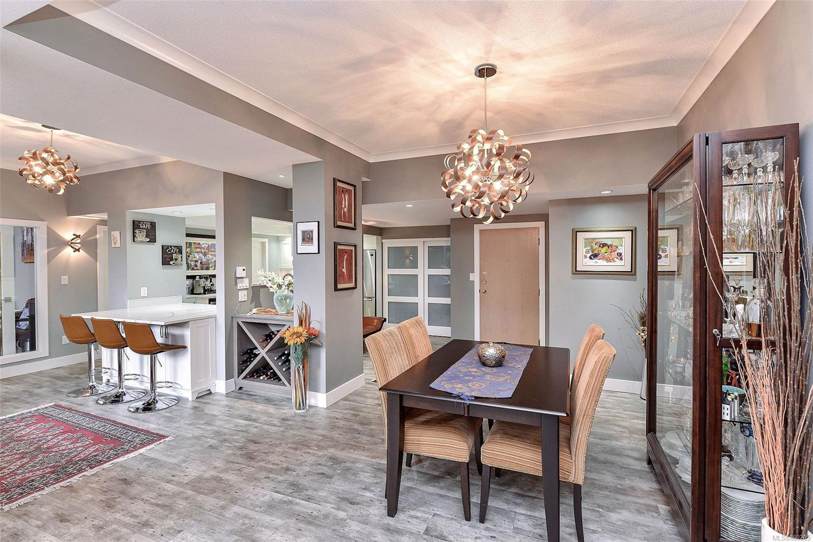 Welcome to 204 630 Montreal Street - a beautiful way to come home!