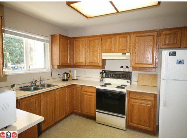 Photo 6: Photos: 201 15255 18TH Avenue in Surrey: King George Corridor Condo for sale (South Surrey White Rock)  : MLS®# F1224905