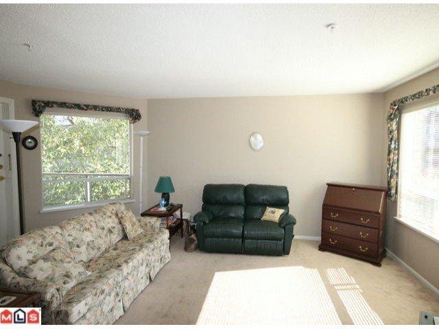 Photo 2: Photos: 201 15255 18TH Avenue in Surrey: King George Corridor Condo for sale (South Surrey White Rock)  : MLS®# F1224905