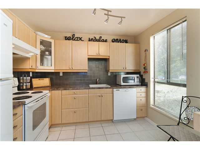 "Photo 10: Photos: 103 9129 CAPELLA Drive in Burnaby: Simon Fraser Hills Townhouse for sale in ""MOUNTAINWOOD"" (Burnaby North)  : MLS®# V994485"