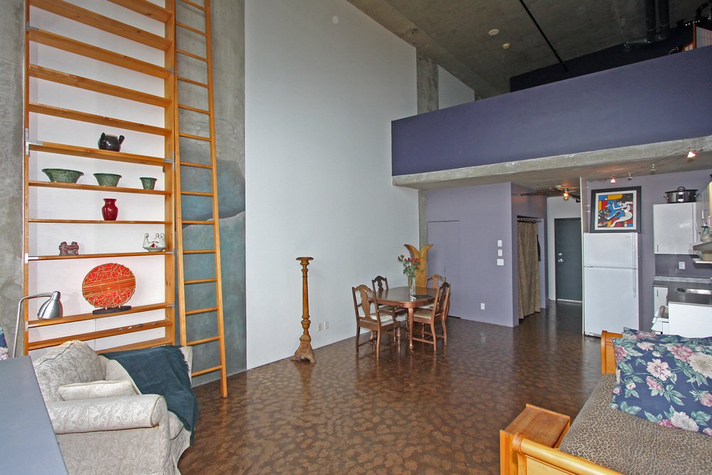 Photo 2: Photos: 202 289 Alexander Street in Vancouver: Hastings East Condo for sale (Vancouver East)  : MLS®# V998025