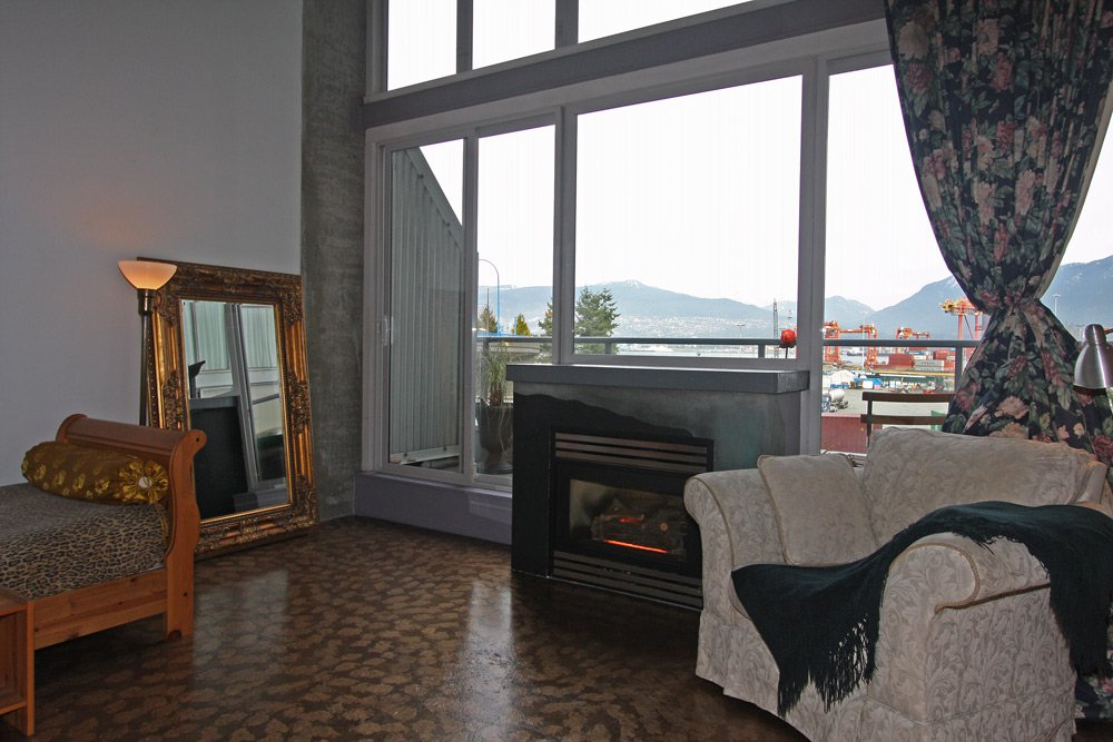 Photo 1: Photos: 202 289 Alexander Street in Vancouver: Hastings East Condo for sale (Vancouver East)  : MLS®# V998025