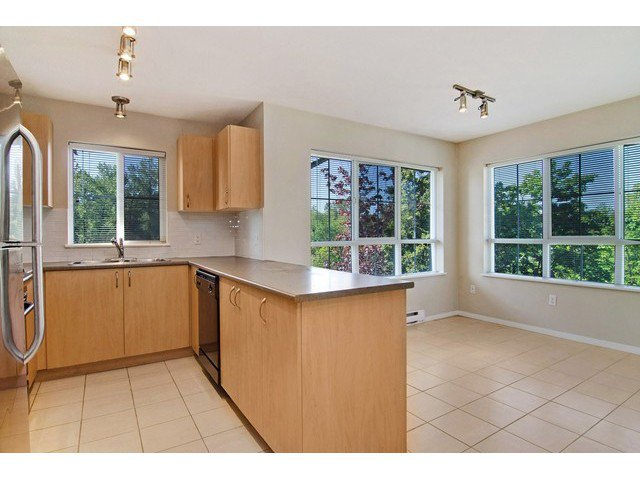 Photo 3: Photos: 411 9283 GOVERNMENT Street in Burnaby: Government Road Condo  (Burnaby North)  : MLS®# V1121339