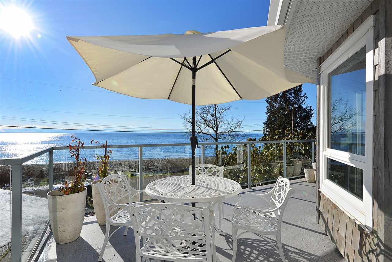 Main Photo: 1774 OCEAN BEACH ESPLANADE in Gibsons: Gibsons & Area House for sale (Sunshine Coast)  : MLS®# R2261367