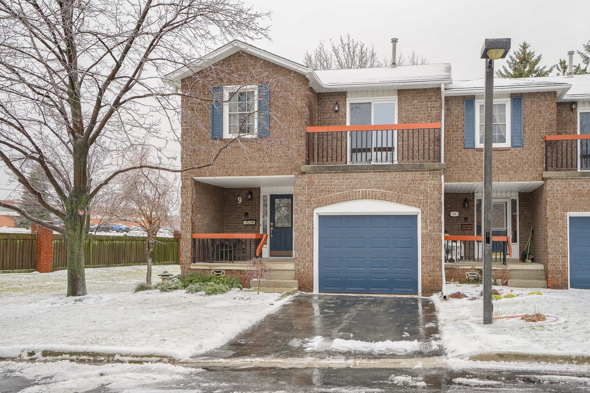 Main Photo: 9 1205 Lamb's Court in Burlington: House for sale : MLS®# H4046284