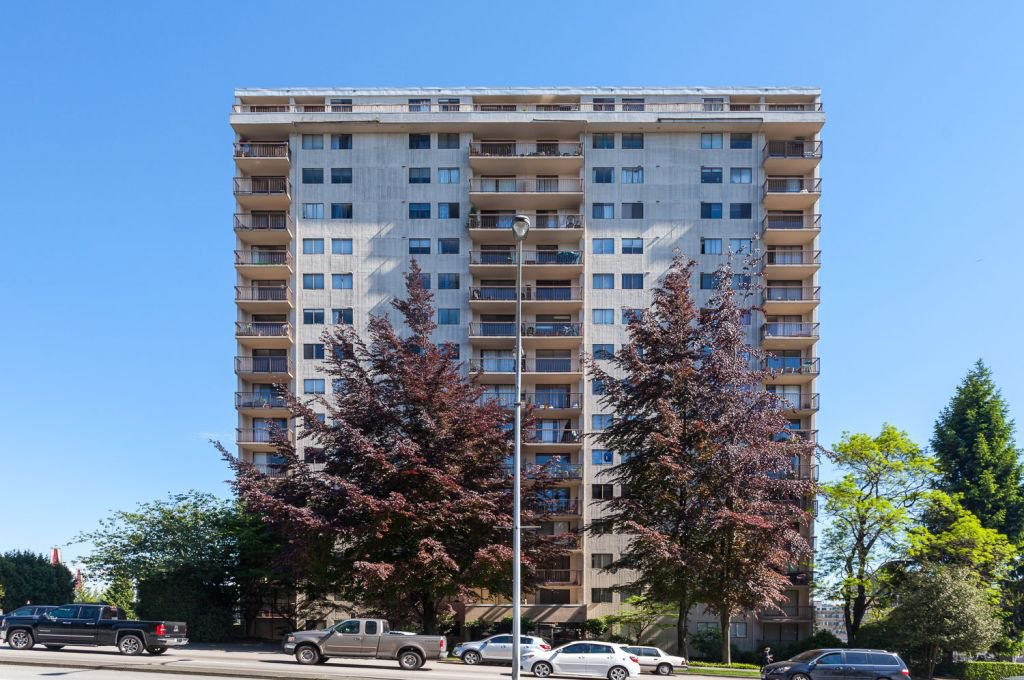 Main Photo: 705 320 Royal Avenue in New Westminster: Downtown NW Condo for sale : MLS®# V962708