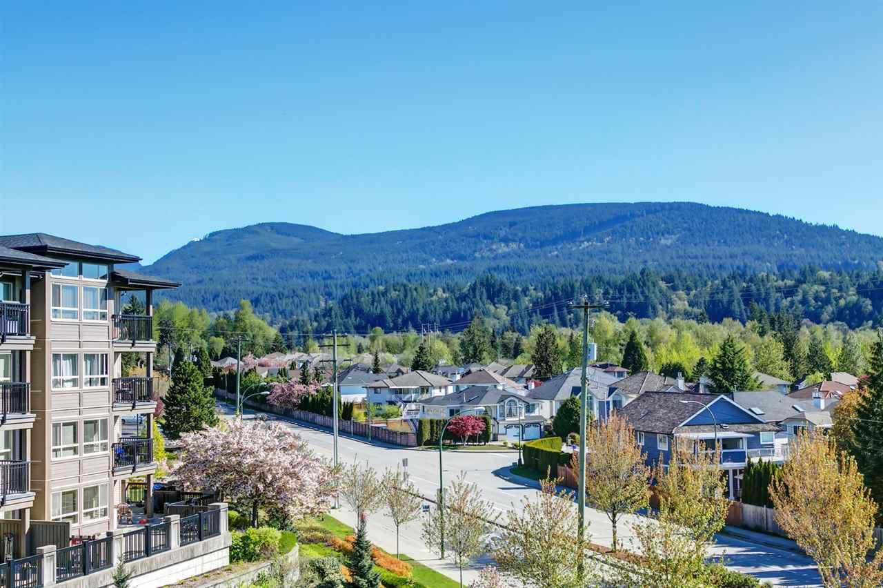 "Photo 10: Photos: 413 3178 DAYANEE SPRINGS Boulevard in Coquitlam: Westwood Plateau Condo for sale in ""Tamarack"" : MLS®# R2398189"