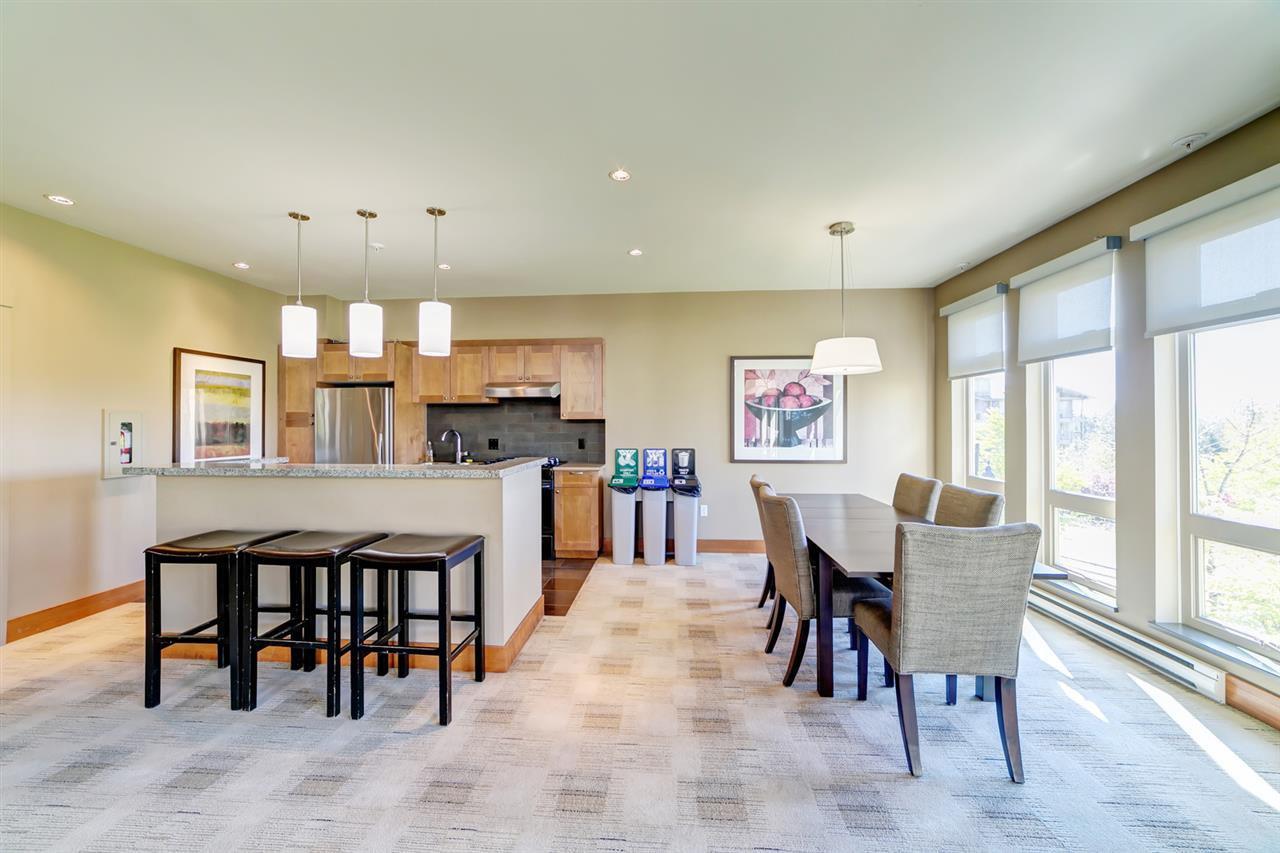 "Photo 15: Photos: 413 3178 DAYANEE SPRINGS Boulevard in Coquitlam: Westwood Plateau Condo for sale in ""Tamarack"" : MLS®# R2398189"
