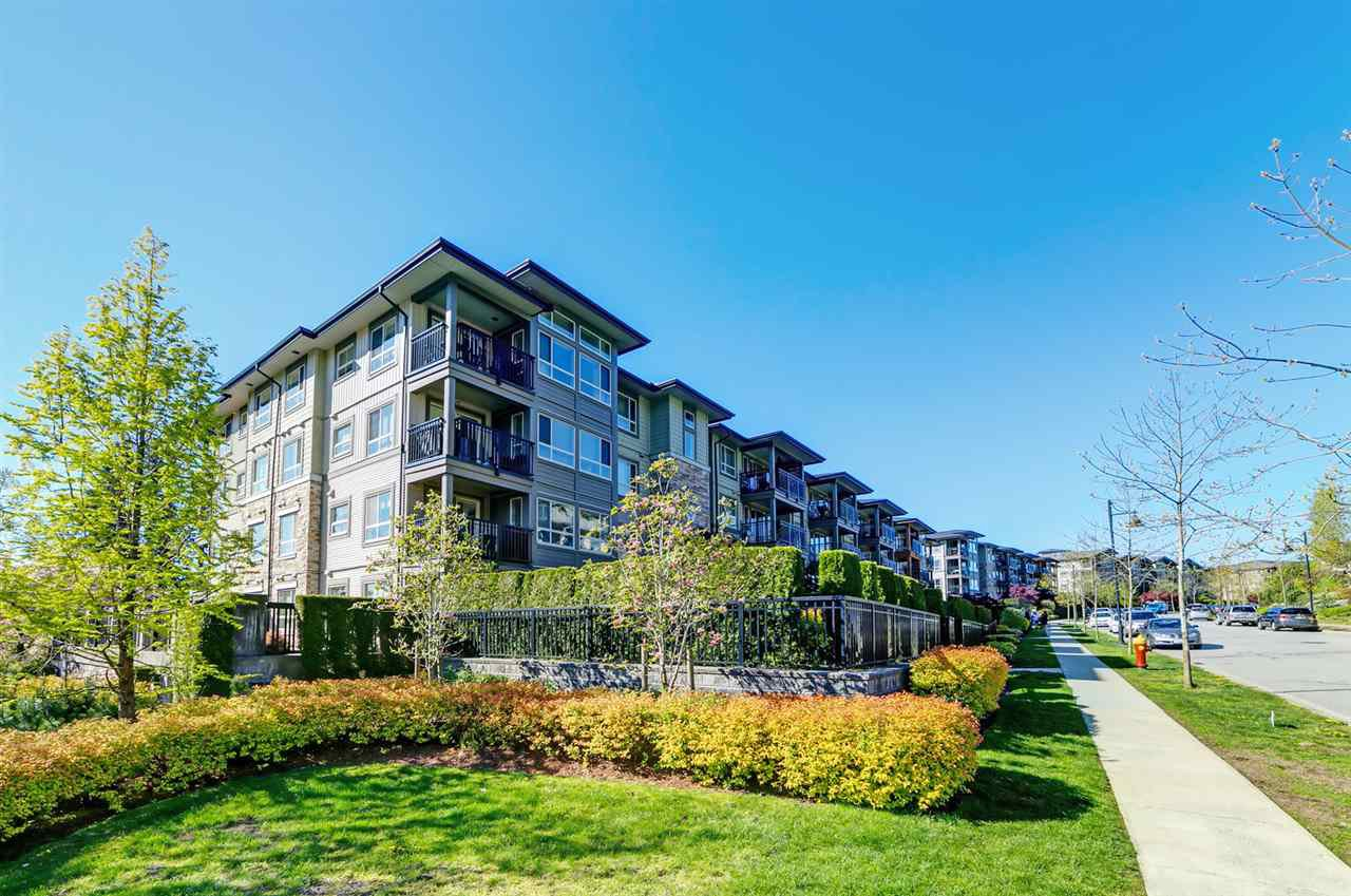 "Photo 2: Photos: 413 3178 DAYANEE SPRINGS Boulevard in Coquitlam: Westwood Plateau Condo for sale in ""Tamarack"" : MLS®# R2398189"