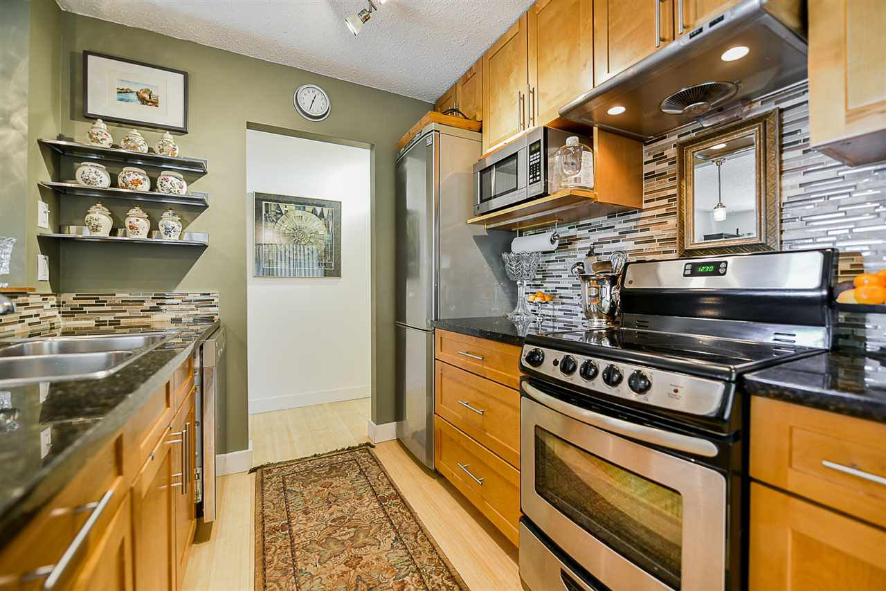 """Photo 10: Photos: 305 425 ASH Street in New Westminster: Uptown NW Condo for sale in """"Ashington Court"""" : MLS®# R2399141"""