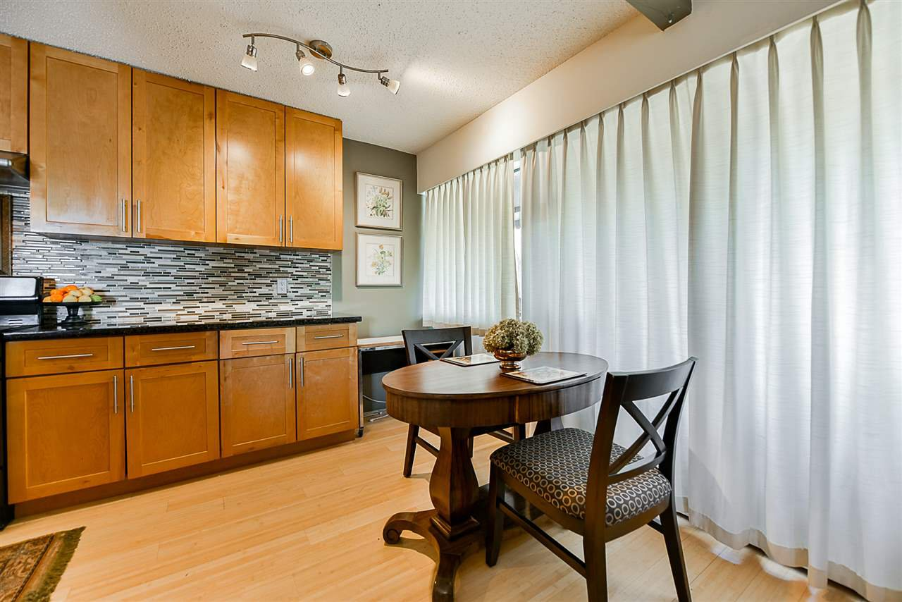 """Photo 8: Photos: 305 425 ASH Street in New Westminster: Uptown NW Condo for sale in """"Ashington Court"""" : MLS®# R2399141"""