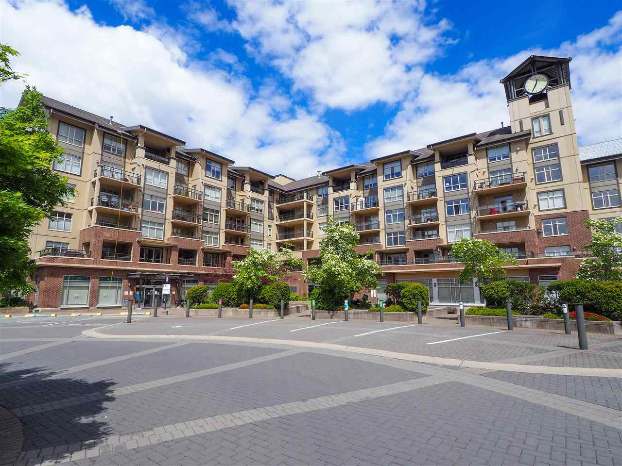 "Main Photo: 218 1211 VILLAGE GREEN Way in Squamish: Downtown SQ Condo for sale in ""Rockcliff"" : MLS®# R2456399"
