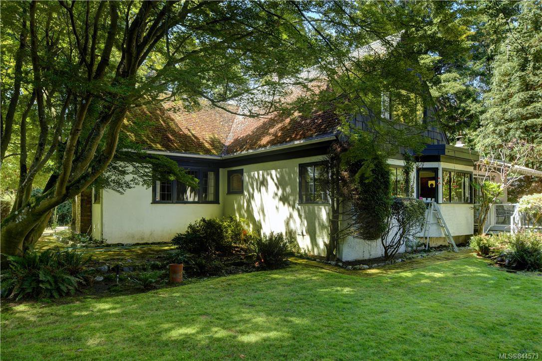 Main Photo: 3986 Telegraph Bay Rd in Saanich: SE Queenswood Single Family Detached for sale (Saanich East)  : MLS®# 844573