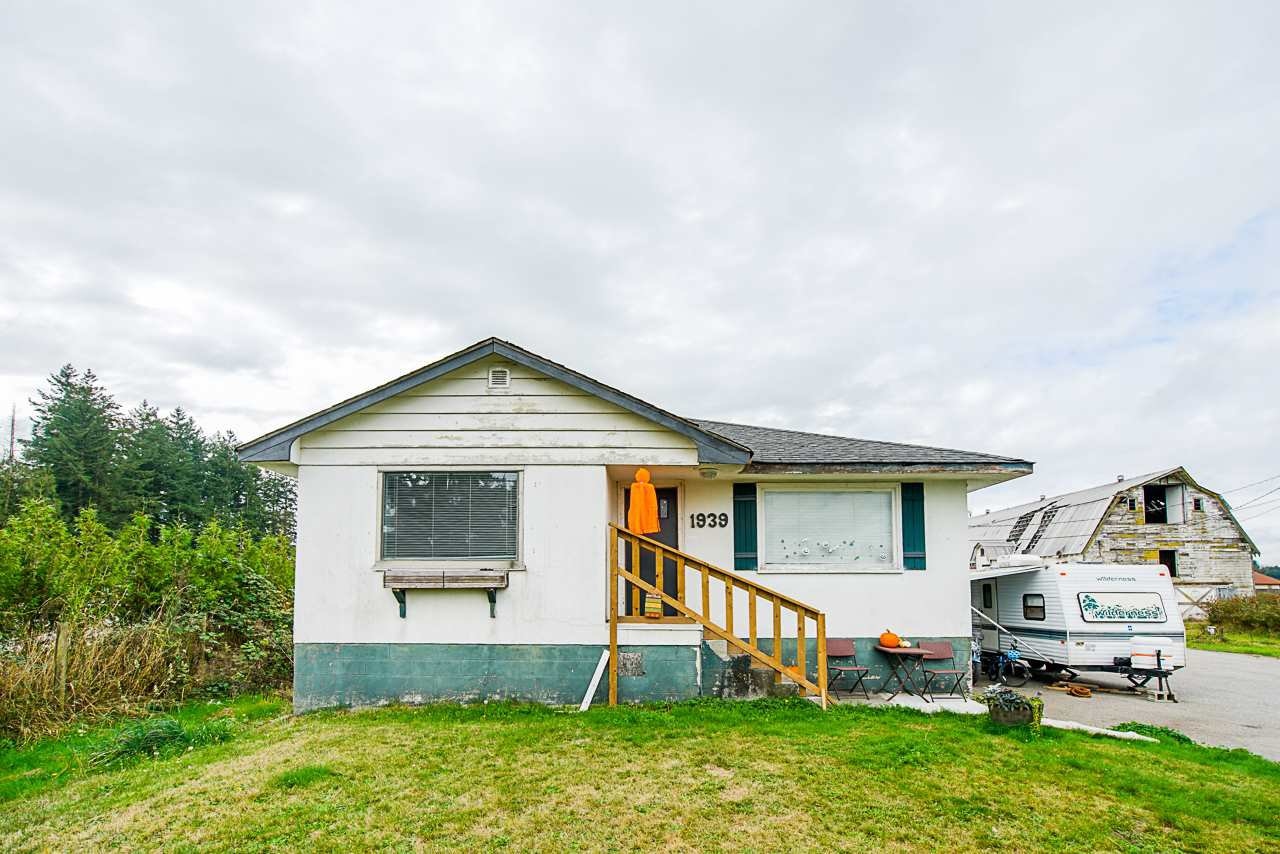 Main Photo: 1939 264 Street in Langley: Otter District House for sale : MLS®# R2507300