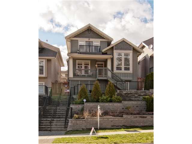 "Main Photo: 11253 CREEKSIDE Street in Maple Ridge: Cottonwood MR House for sale in ""BLUEBERRY HILL"" : MLS®# V992122"