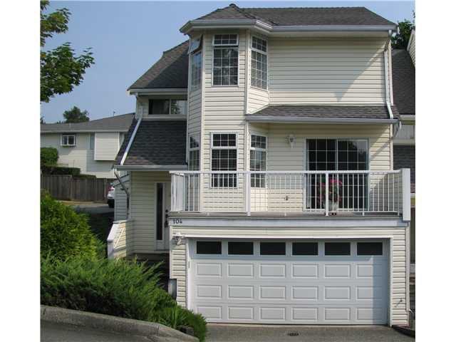 "Main Photo: 104 1180 FALCON Drive in Coquitlam: Eagle Ridge CQ Townhouse for sale in ""FALCON HEIGHTS"" : MLS®# V1019475"