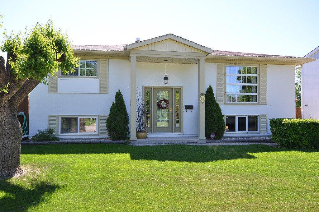 Main Photo: 71 Heritage Boulevard in Winnipeg: Residential for sale : MLS®# 1312656