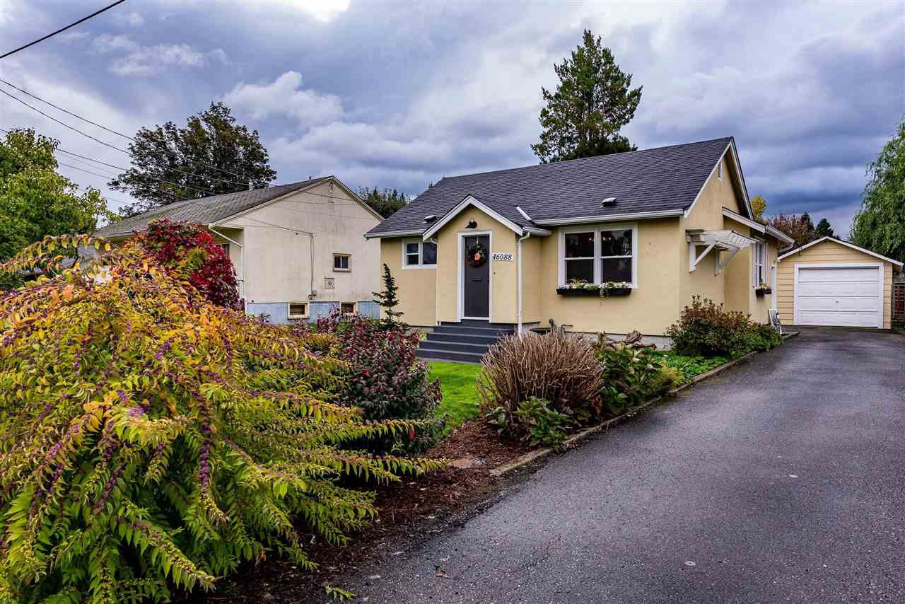 Main Photo: 46088 KING Avenue in Chilliwack: Chilliwack N Yale-Well House for sale : MLS®# R2412137