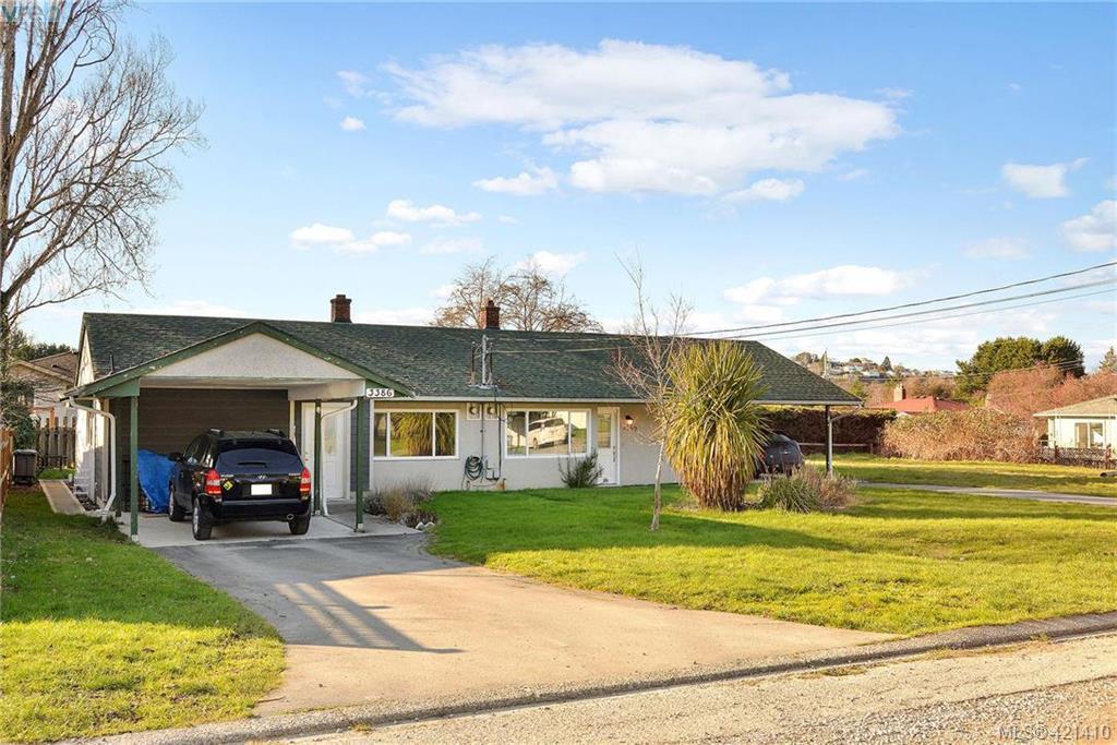 Main Photo: 3386/3390 Veteran St in VICTORIA: SE Mt Tolmie Full Duplex for sale (Saanich East)  : MLS®# 834043