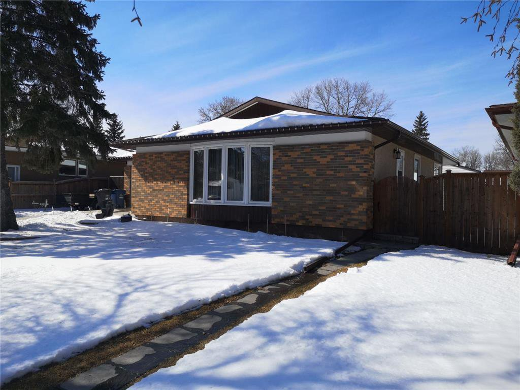 Main Photo: 255 St Michael Road in Winnipeg: Residential for sale (2C)  : MLS®# 202007377
