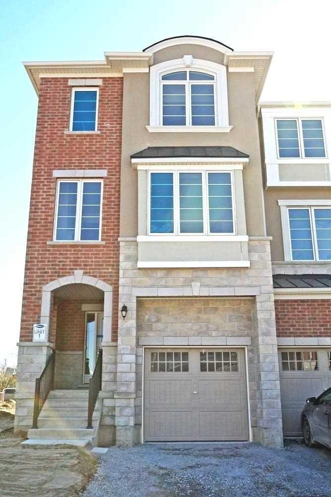 Main Photo: 69 Fusilier Drive in Toronto: Clairlea-Birchmount House (3-Storey) for lease (Toronto E04)  : MLS®# E4776931
