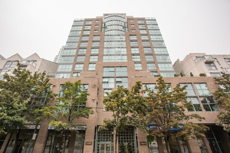"Main Photo: 601 1159 MAIN Street in Vancouver: Downtown VE Condo for sale in ""CityGate 2"" (Vancouver East)  : MLS®# R2500277"