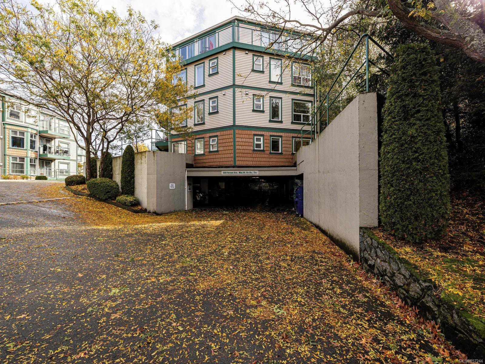 Main Photo: 109 898 Vernon Ave in : SE Swan Lake Condo for sale (Saanich East)  : MLS®# 857244