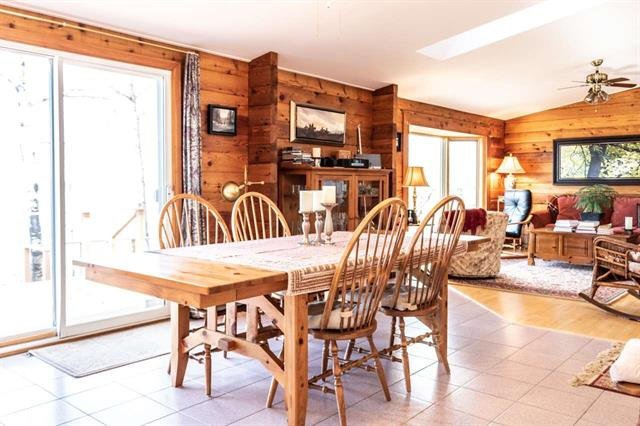 Photo 4: Photos: 5, 1319 Twp Rd 550: Rural Lac Ste. Anne County House for sale : MLS®# E4167720