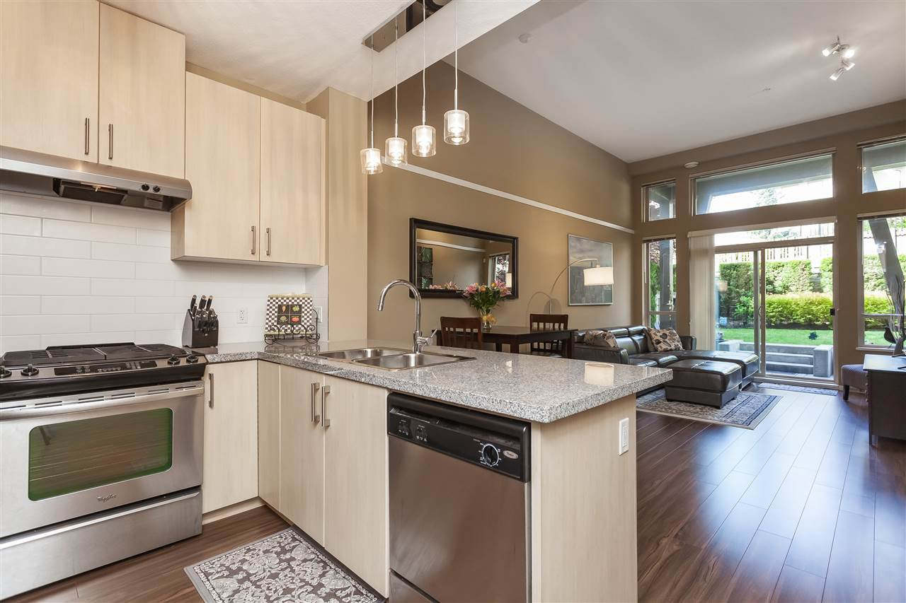 Main Photo: 117 3178 DAYANEE SPRINGS BOULEVARD in Coquitlam: Westwood Plateau Condo for sale : MLS®# R2385533