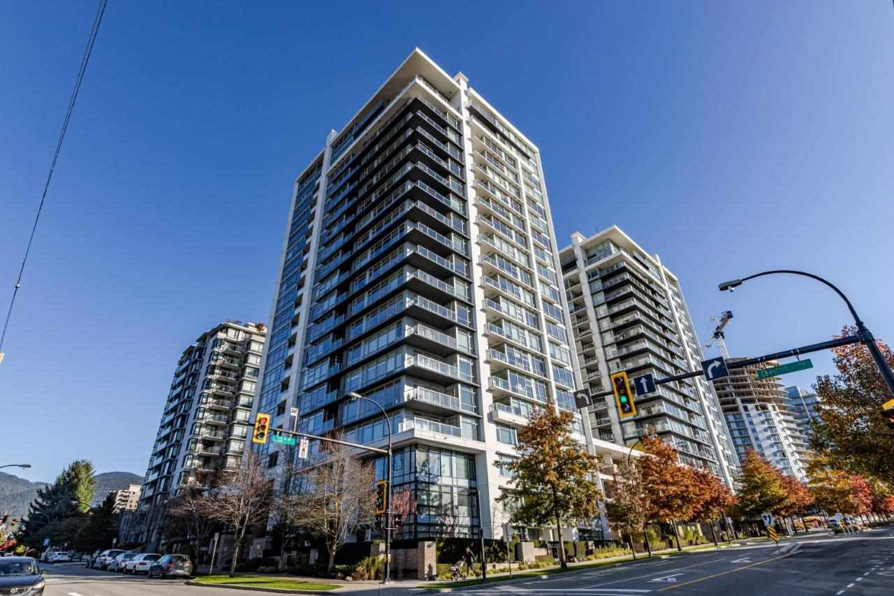"""Main Photo: 1108 1320 CHESTERFIELD Avenue in North Vancouver: Central Lonsdale Condo for sale in """"VISTA PLACE"""" : MLS®# R2417723"""