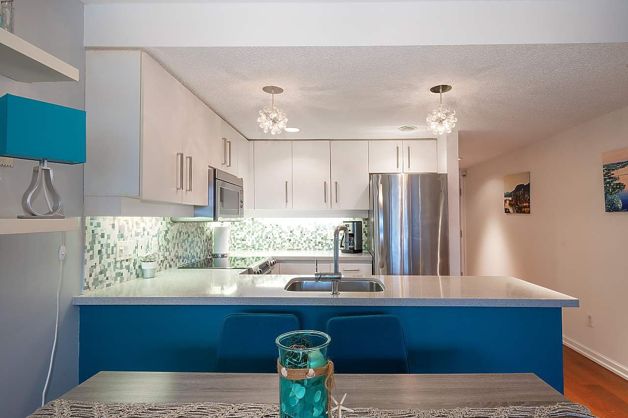 """Photo 10: Photos: 207 1515 W 2ND Avenue in Vancouver: False Creek Townhouse for sale in """"Island Cove"""" (Vancouver West)  : MLS®# R2429780"""