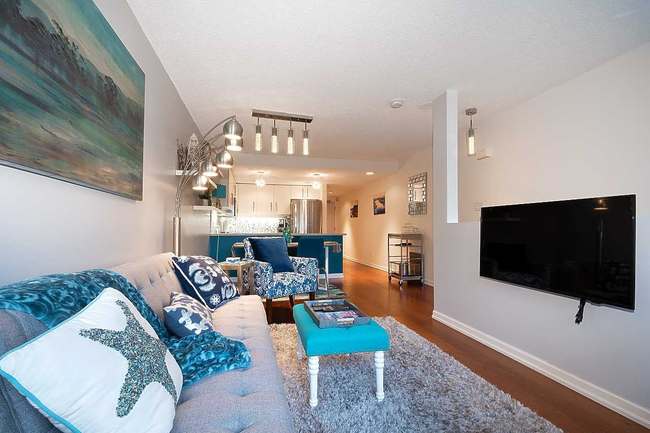 """Photo 6: Photos: 207 1515 W 2ND Avenue in Vancouver: False Creek Townhouse for sale in """"Island Cove"""" (Vancouver West)  : MLS®# R2429780"""
