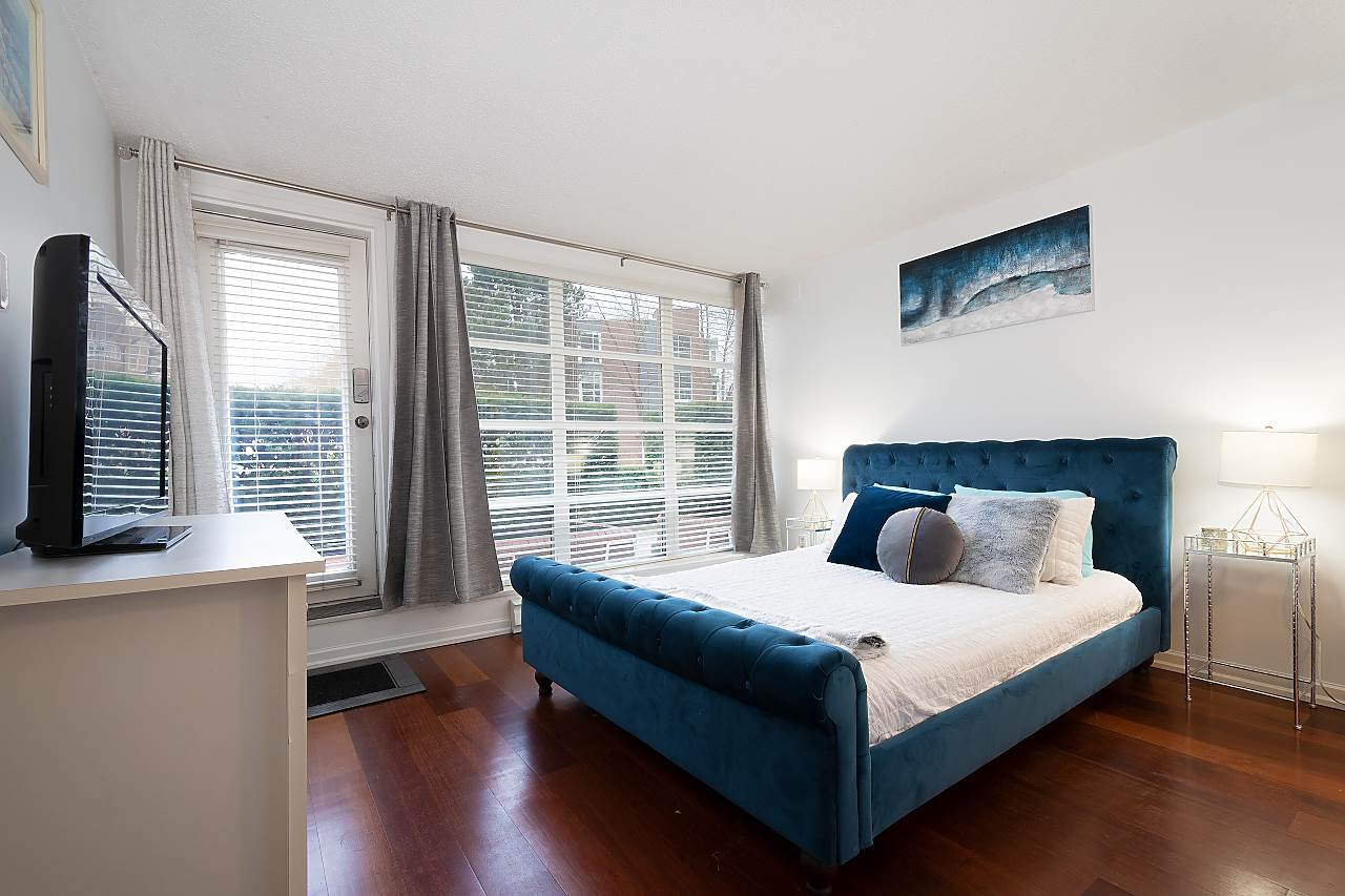 """Photo 13: Photos: 207 1515 W 2ND Avenue in Vancouver: False Creek Townhouse for sale in """"Island Cove"""" (Vancouver West)  : MLS®# R2429780"""