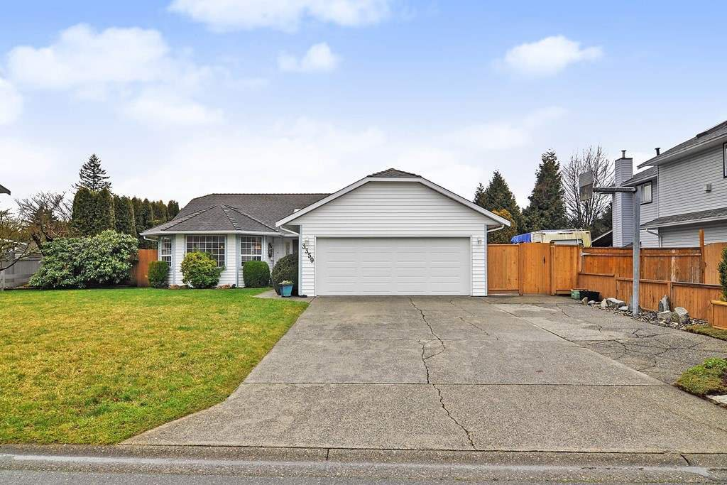 "Main Photo: 3359 198A Street in Langley: Brookswood Langley House for sale in ""Meadowbrook"" : MLS®# R2444395"