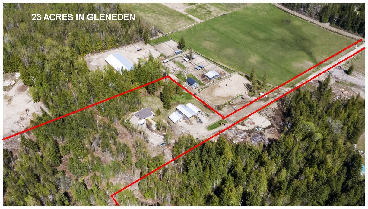 Main Photo: 151 Southwest 60 Street in Salmon Arm: Gleneden House for sale : MLS®# 10204396