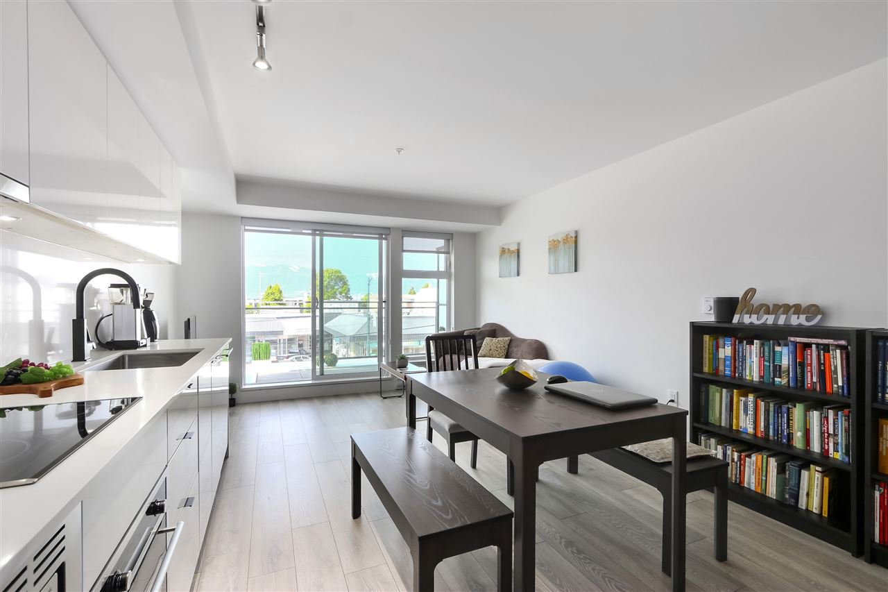 "Main Photo: 210 630 E BROADWAY in Vancouver: Mount Pleasant VE Condo for sale in ""MIDTOWN MODERN"" (Vancouver East)  : MLS®# R2466834"