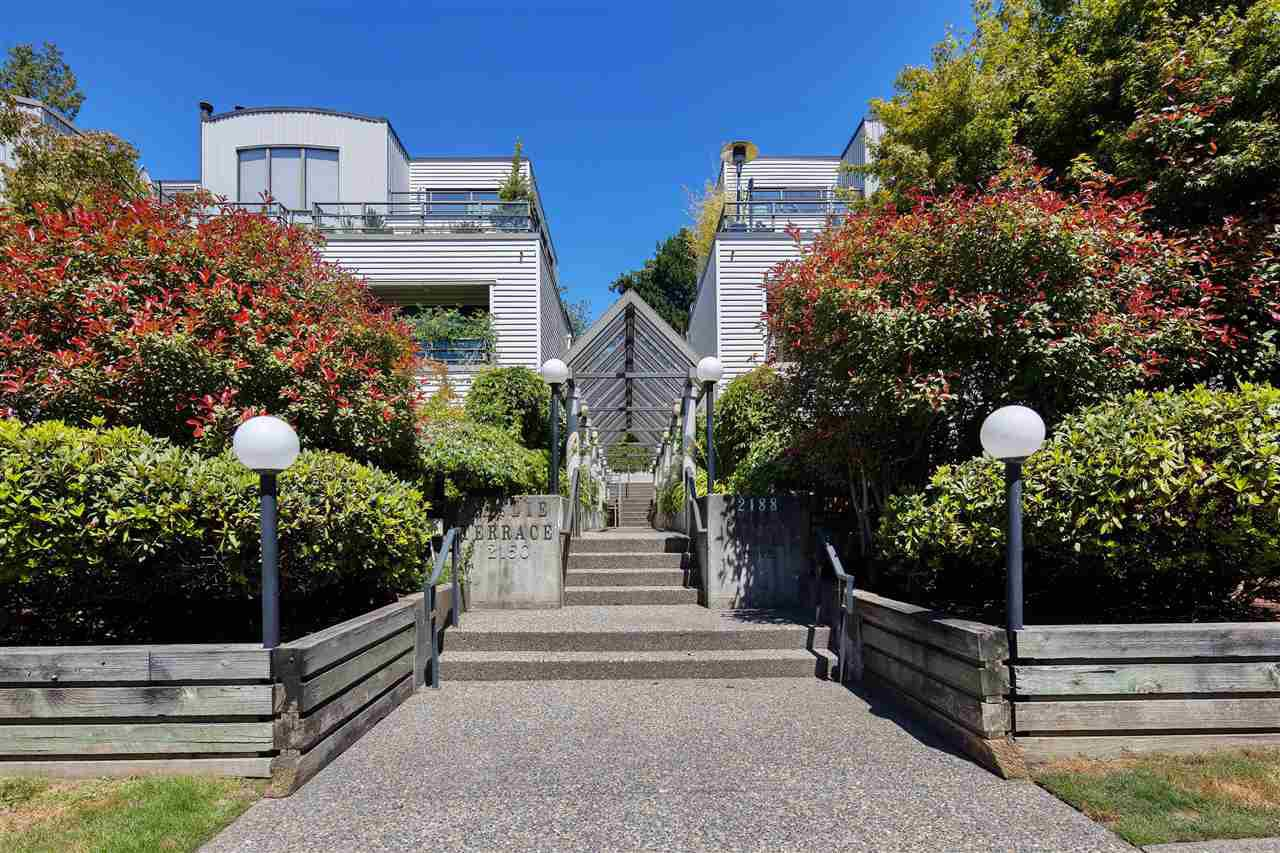 "Main Photo: 3 2150 SE MARINE Drive in Vancouver: South Marine Townhouse for sale in ""Leslie Terrace"" (Vancouver East)  : MLS®# R2476582"