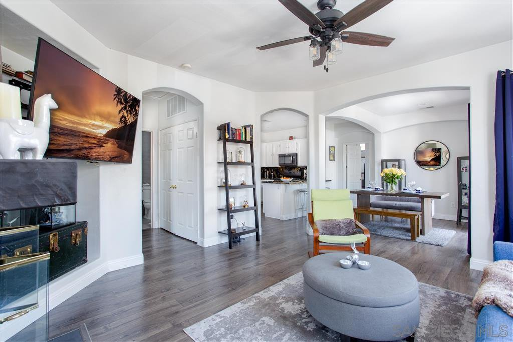 Main Photo: OCEANSIDE Condo for sale : 2 bedrooms : 621 Sumner Way #6