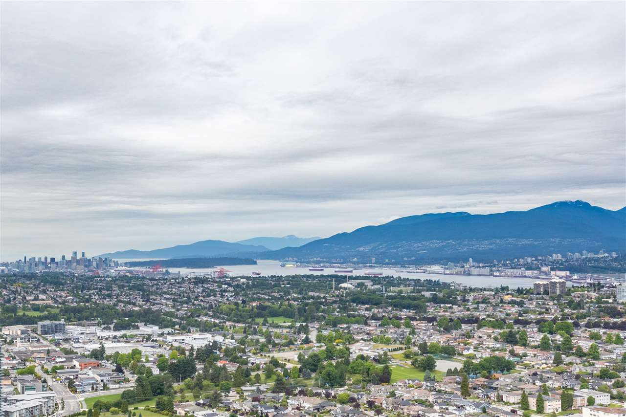 Main Photo: 6007 4510 HALIFAX WAY in Burnaby: Brentwood Park Condo for sale (Burnaby North)  : MLS®# R2468128