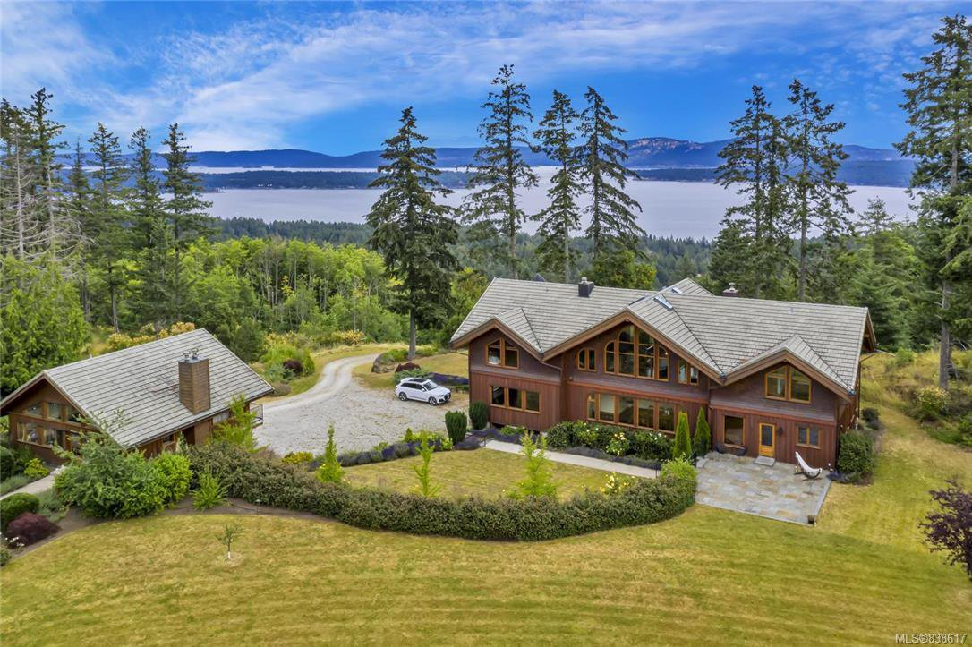 Main Photo: 412 Stewart Rd in Salt Spring: GI Salt Spring House for sale (Gulf Islands)  : MLS®# 838617