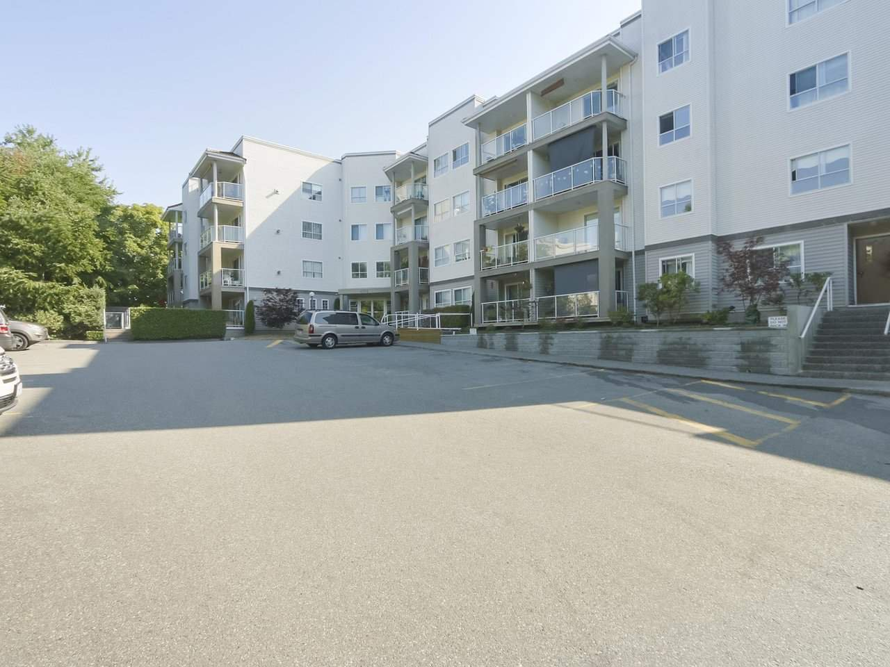 "Main Photo: 110 4758 53 Street in Delta: Delta Manor Condo for sale in ""SUNNINGDALE"" (Ladner)  : MLS®# R2394915"
